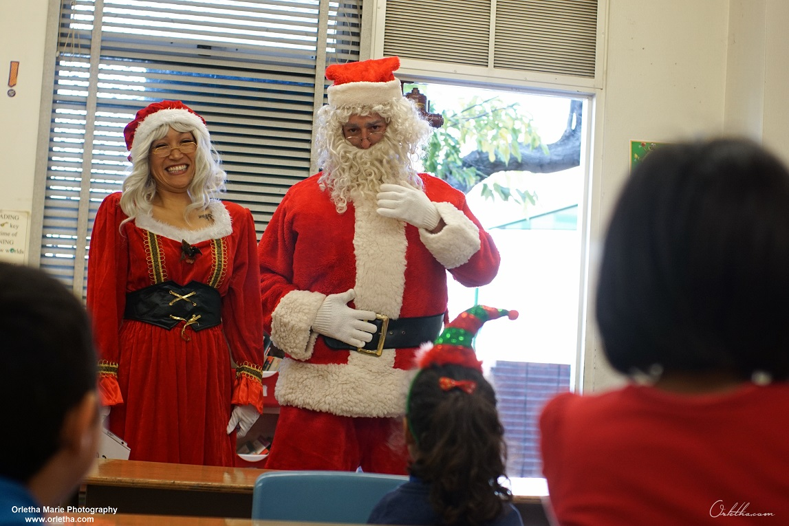 Santa and Mrs. Claus at Alta Loma Elem. reading clubs