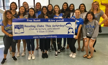 UCLA students volunteering at Politi Elementary