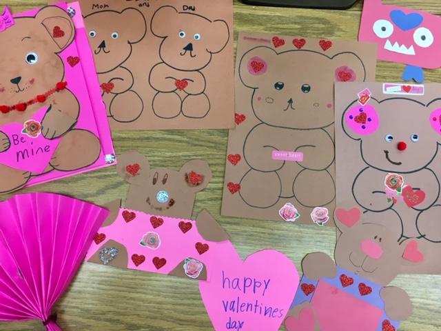 Valentine crafts at Gratts Elementary